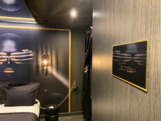 Chambre SM du Lovehotel à Paris