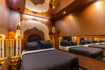 Chambre 1001 nuits Lovehotel à Paris