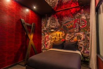 chambre Tattoo SM croix de saint-andré lovehotelaparis