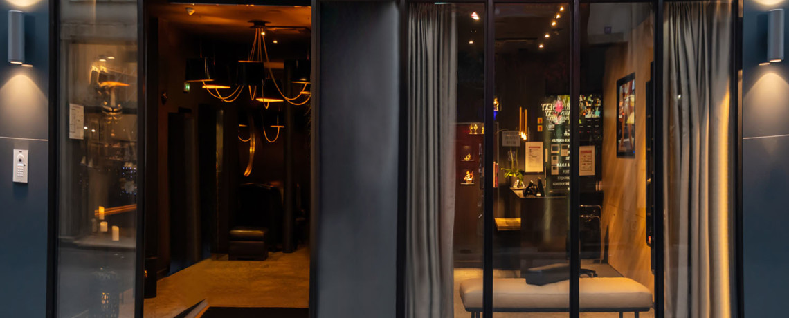 lovehotel à paris nouvelle façade