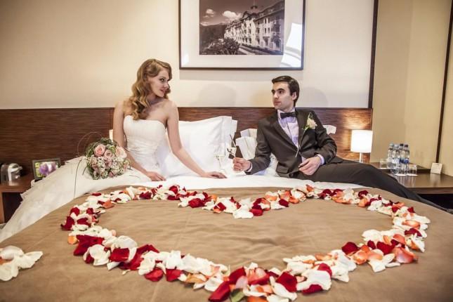 anniversaire couple au Love Hotel